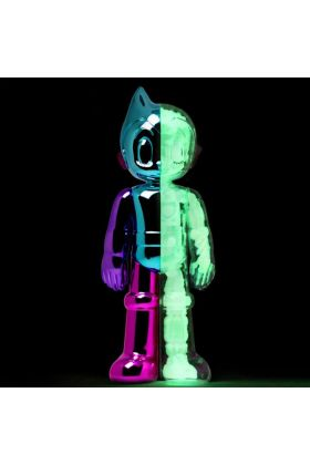 Astro Boy Diecast GID Chameleon Chrome - ToyQube
